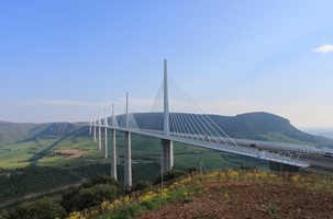 NARBONNE - MILLAU - ISSOIRE I (345KM)